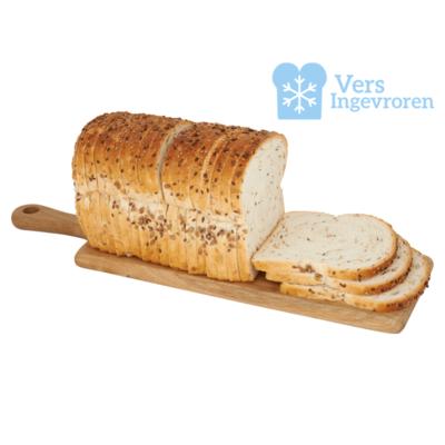 Goudeerlijk Gesneden Boeren Licht Meerzaden Brood Heel (Vers Ingevroren)