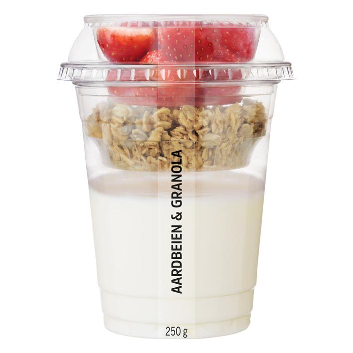 Huismerk Vers fruit met yoghurt aardbeien granola